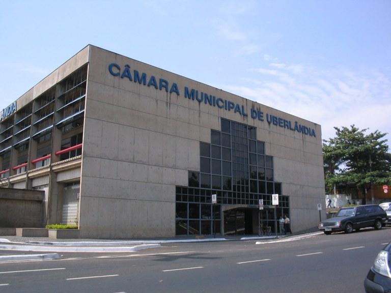 Cidade mineira tem quase todos os vereadores com mandados de prisão