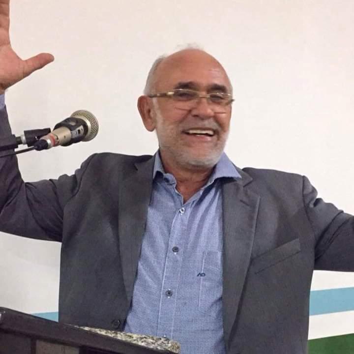 Enquanto oposição bate cabeça, prefeito de SJE segue firme para reeleição
