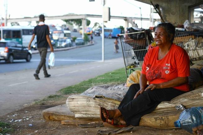 Mais da metade dos casos de violência envolvendo moradores de rua são contra mulheres, mesmo elas sendo minoria nessa população
