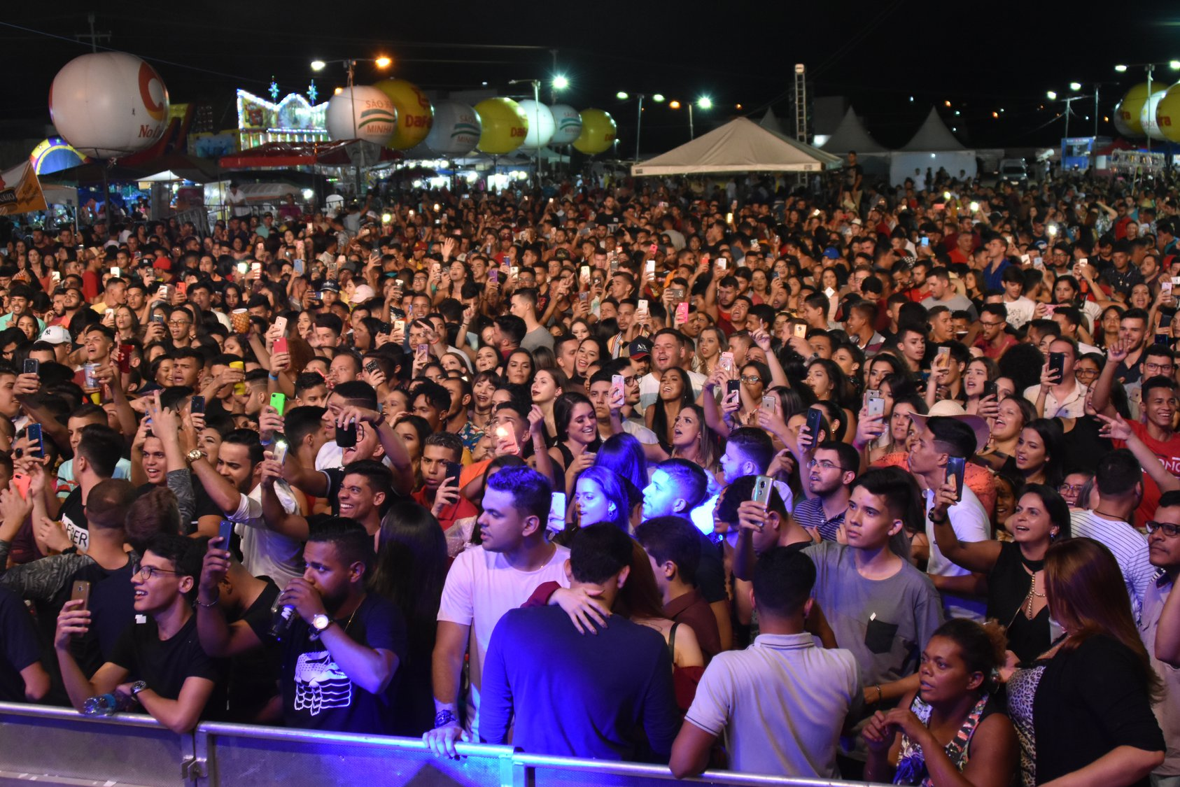 Festas em SJE atrairam milhares e movimentou economia egipcienses no primeiro fim de semana do ano