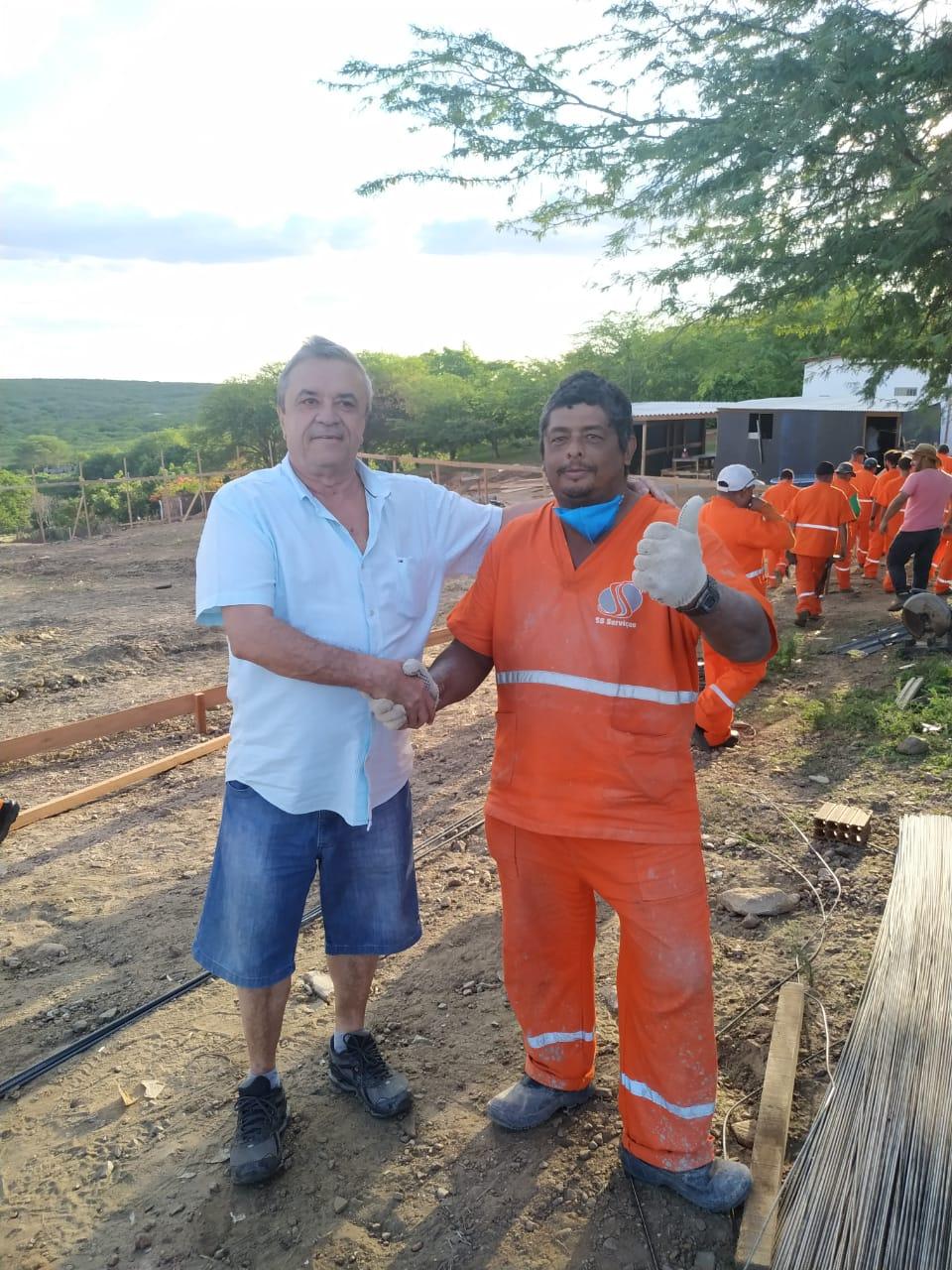 Prefeito de SJE inicia 2020 comemorando investimentos em obras públicas que geram emprego e renda para população