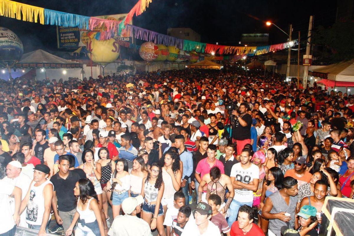 Com chuva ou com sol, carnaval do Pajeú só vai até as duas da madrugada, diz PM