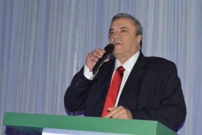 Prefeito de São José do Egito reduz salário dele, do vice e de secretários e destina recursos para assistência social