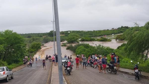 Depois de Sertânia, Afogados tem vários problemas com as chuvas