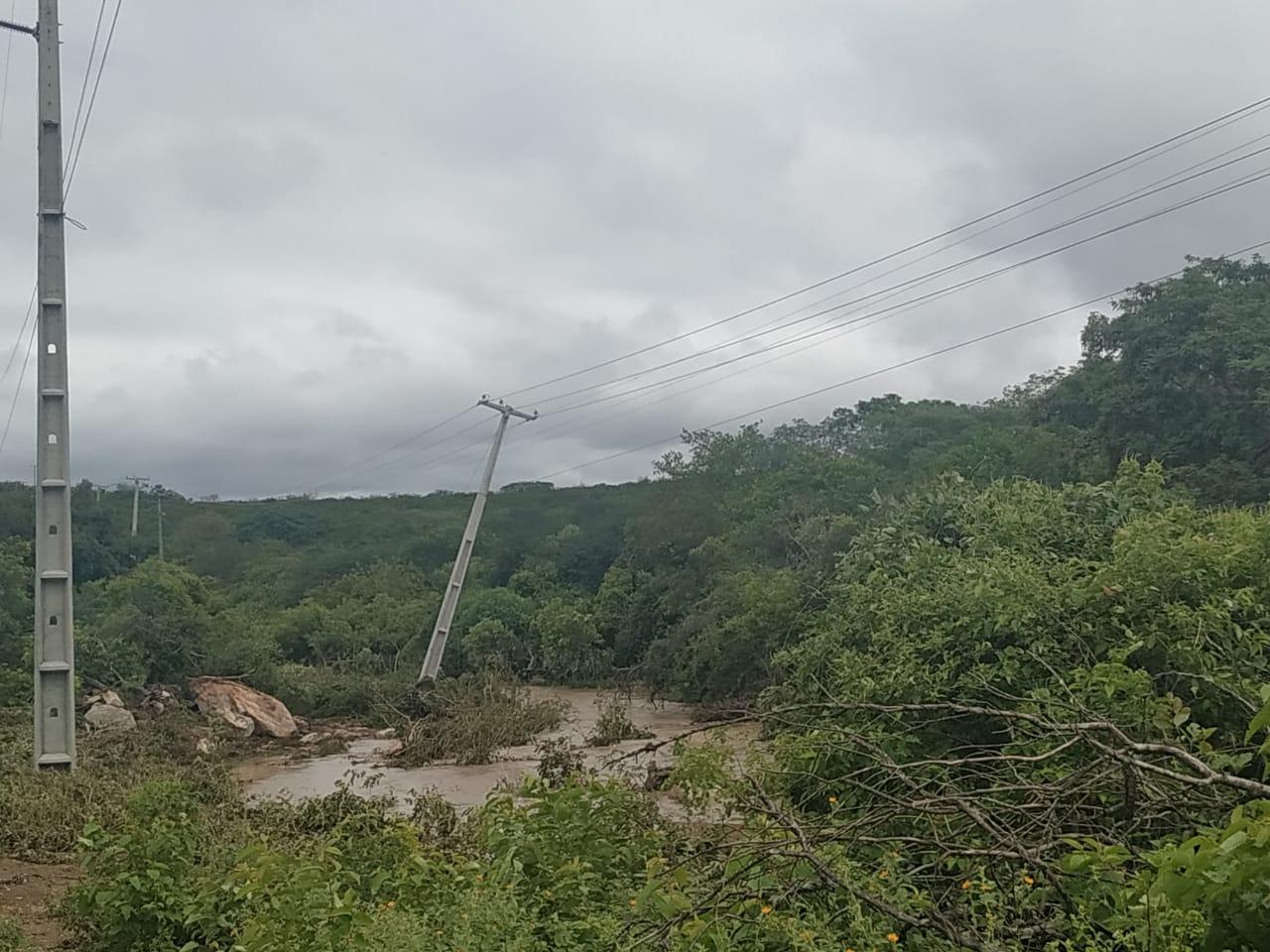 Chuvas em Sertânia deixa estação de captação da adutora do Pajeú sem energia, e população de SJE sofre com falta de água