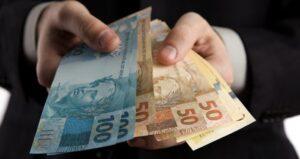 Servidores municipais de São José do Egito começaram recebendo salários de março, desde quarta (25)
