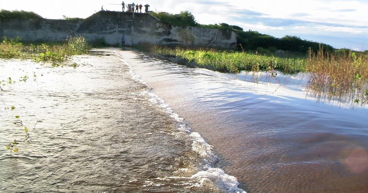 Barragem do Rosário volta a sangrar depois de 12 anos