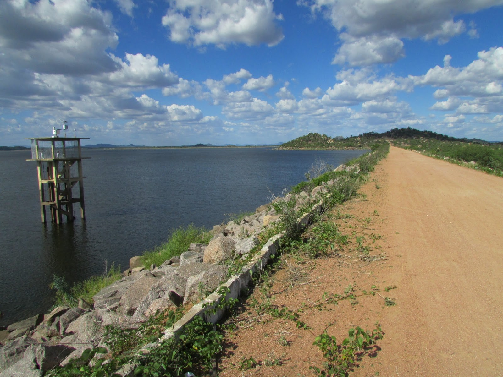 Barragem no Pajeú tem maior acumulo de água no estado atualmente