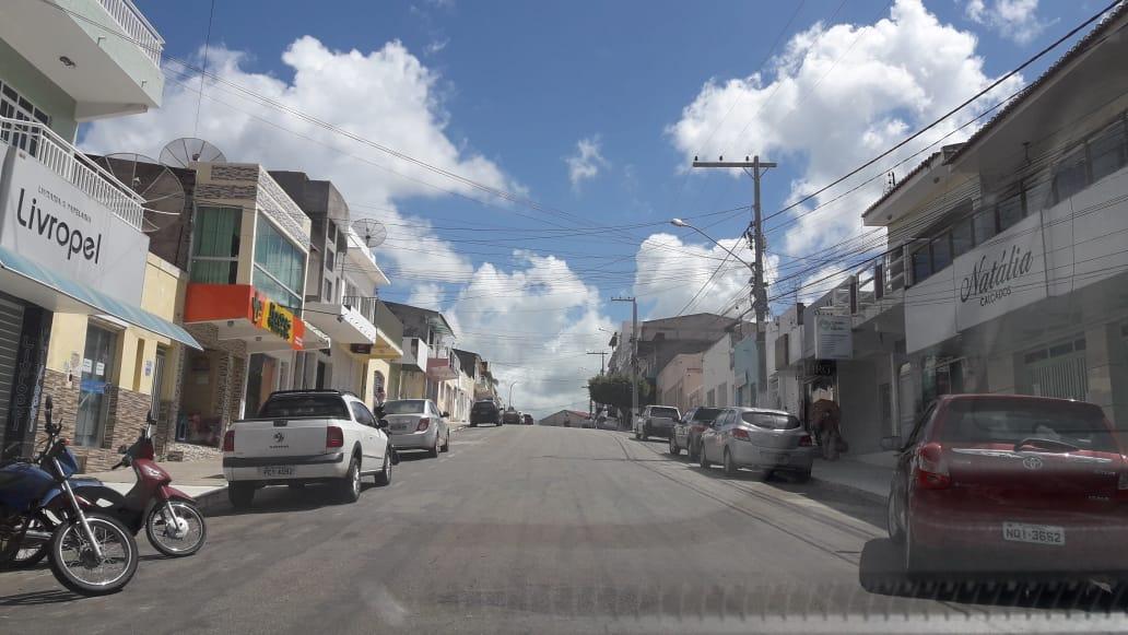 Prefeitura de SJE prorroga decreto que mantém fechamento do comércio aos domingos