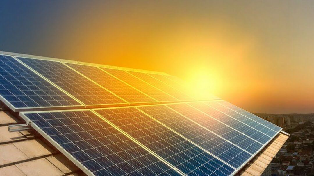 Projeto parado na Câmara dos Deputados que regulamenta a distribuição de energia solar pode ser alternativa pra região no pós-pandemia