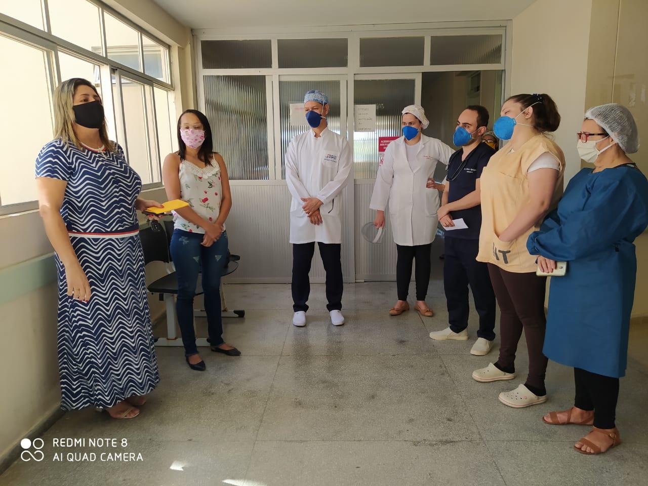 Equipe do Hospital Maria Rafael de SJE  arrecada recurso para enfermeira que teve moto roubada comprar outra