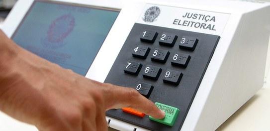 Eleição ganha uma hora a mais e horário reservado para votação dos idosos