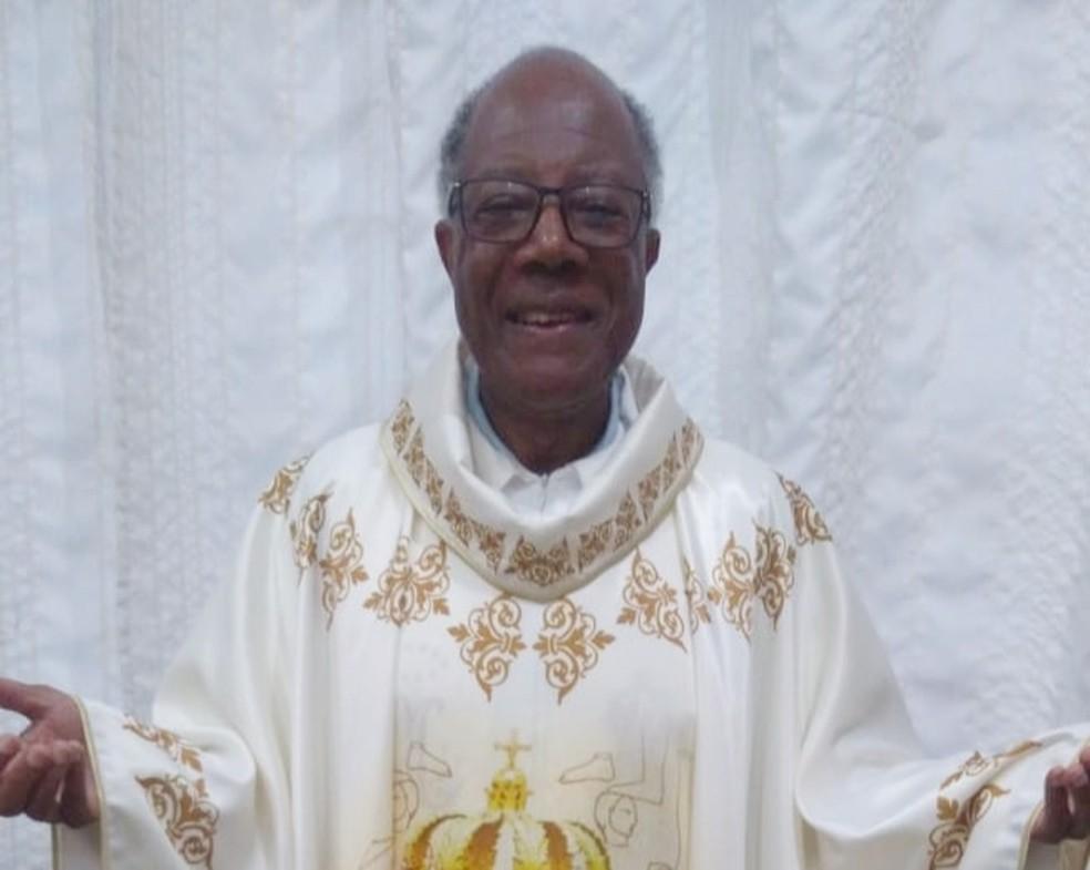 No dia do padre, vamos conhecer um pouco da história do sacerdote negro que não tem sobrenome;