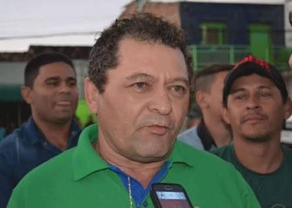Prefeito de cidade da PB, é detido por aglomeração após convenção