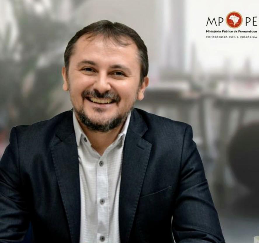 Promotor Aurenilton Leão será o entrevistado do Programa Política e Gestão da próxima segunda (07)