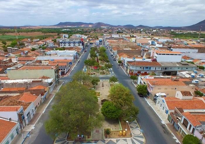 Depois de meses, Serra Talhada volta a ser a cidade com maior número de casos ativos neste sábado (23)