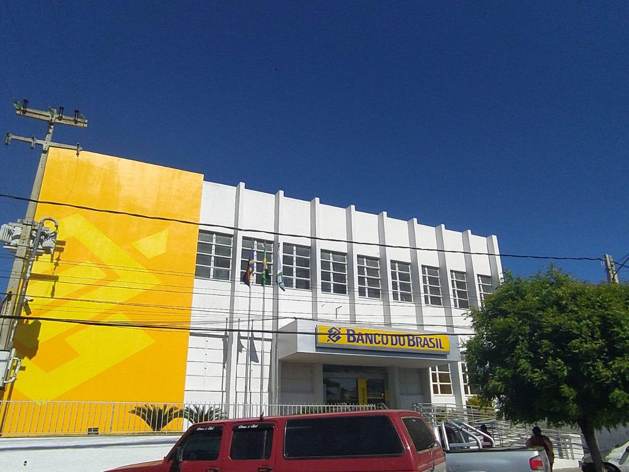 Problemas com internet deixa caixas eletrônicos sem funcionar em agência do Banco do Brasil em SJE