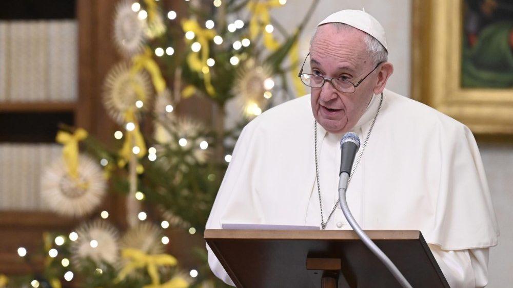 """Papa Francisco critica """"negacionismo suicida"""""""