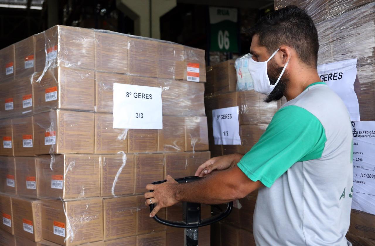 Governo de Pernambuco começa a distribuir mais de 1,5 milhão de seringas aos municípios