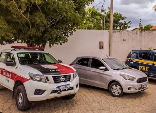 PRF e Polícia Militar apreende veículo clonado em Sumé