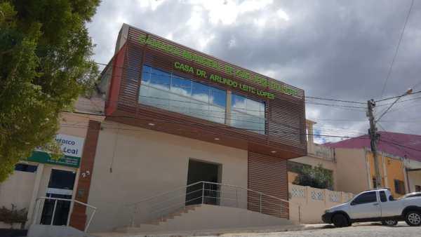 Câmara de Vereadores de SJE tem pautas trancadas por não votar projeto de urgência