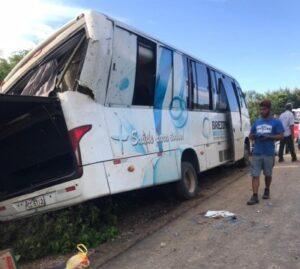 Prefeito de Brejinho diz que falta de sinalização, angulação de curva e chuva podem ter contribuído com acidente de ônibus do TFD