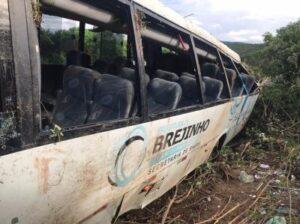 Acidente com ônibus do TFD de Brejinho mostra que cinto de segurança salva vidas