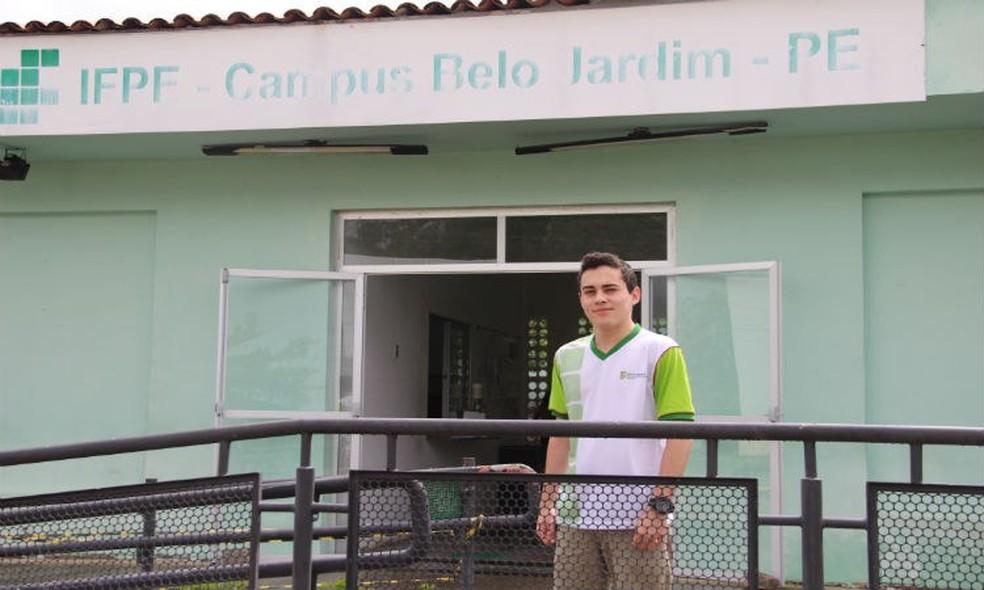 Aluno do IFPE Belo Jardim vence prêmio de redação da Nasa