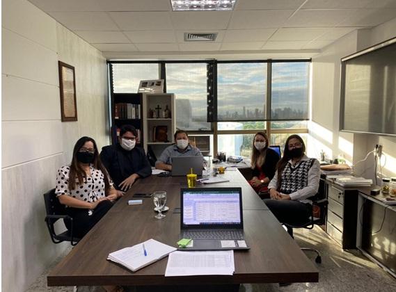 Direção da FVP e futuro coordenador do PROCON em SJE se encontram no Recife