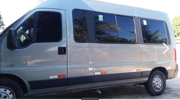 Bandidos roubam van com mercadoria de confecções avaliada em R$ 200 mil no Cariri