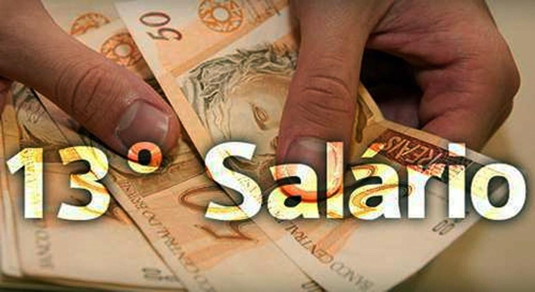 São José do Egito antecipa pagamento de 50% do 13º salário para servidores da educação