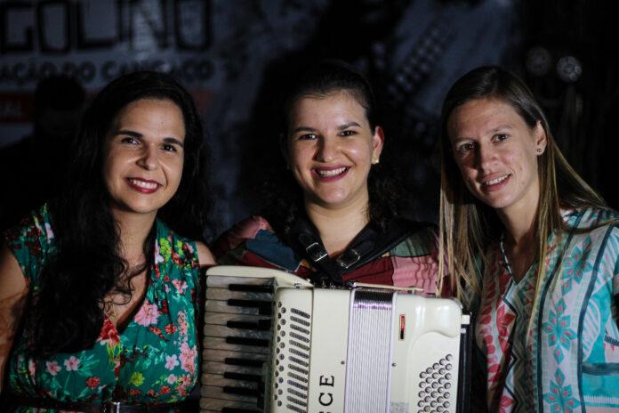 Comemorando 10 de carreira, As Severinas lançaram single Xamengo de Fulô nessa terça (15)