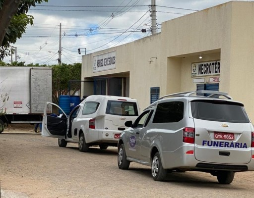 HREC registra 5 mortes em curto espaço de tempo e tem fila de carro funerário na tarde desta quinta (10)