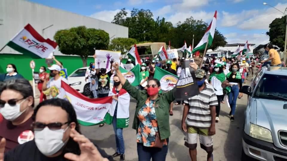 São José do Egito foi uma das cidades que saíram as ruas contra Bolsonaro no sábado (24)