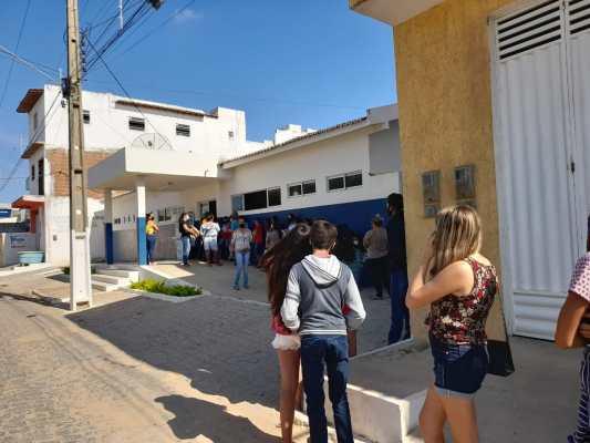 Adolescentes dão exemplo em Santa Terezinha e se vacinam contra Covid