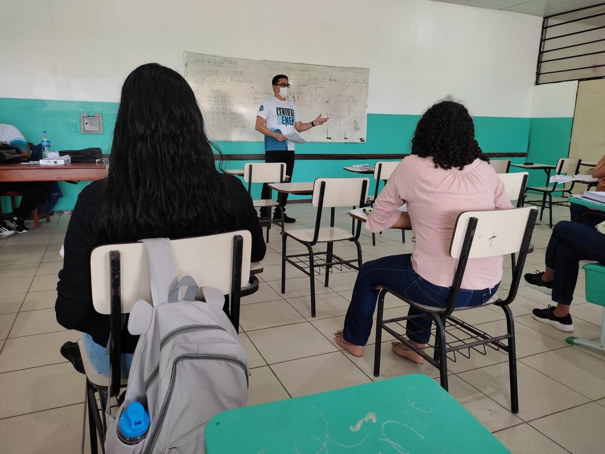 Brasil está entre países que não aumentaram recursos para educação na pandemia, diz OCDE