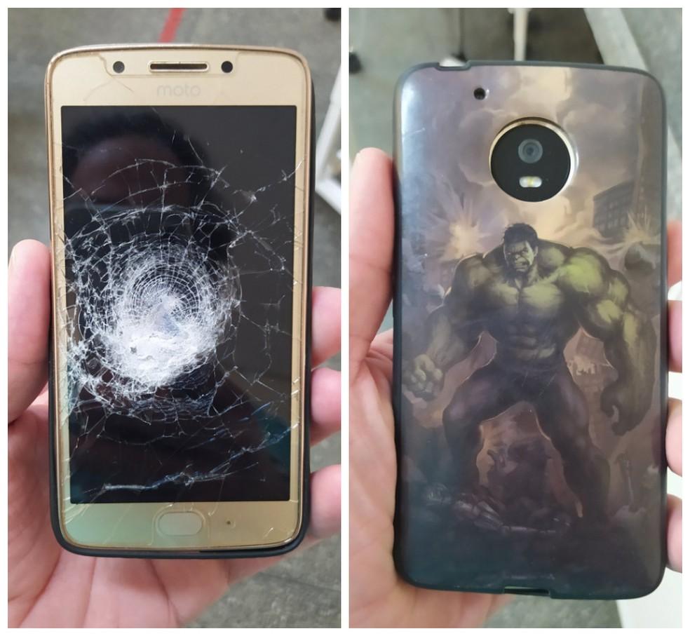 Celular com capinha do 'Hulk' impede que homem seja atingido por tiro no Sertão de Pernambuco