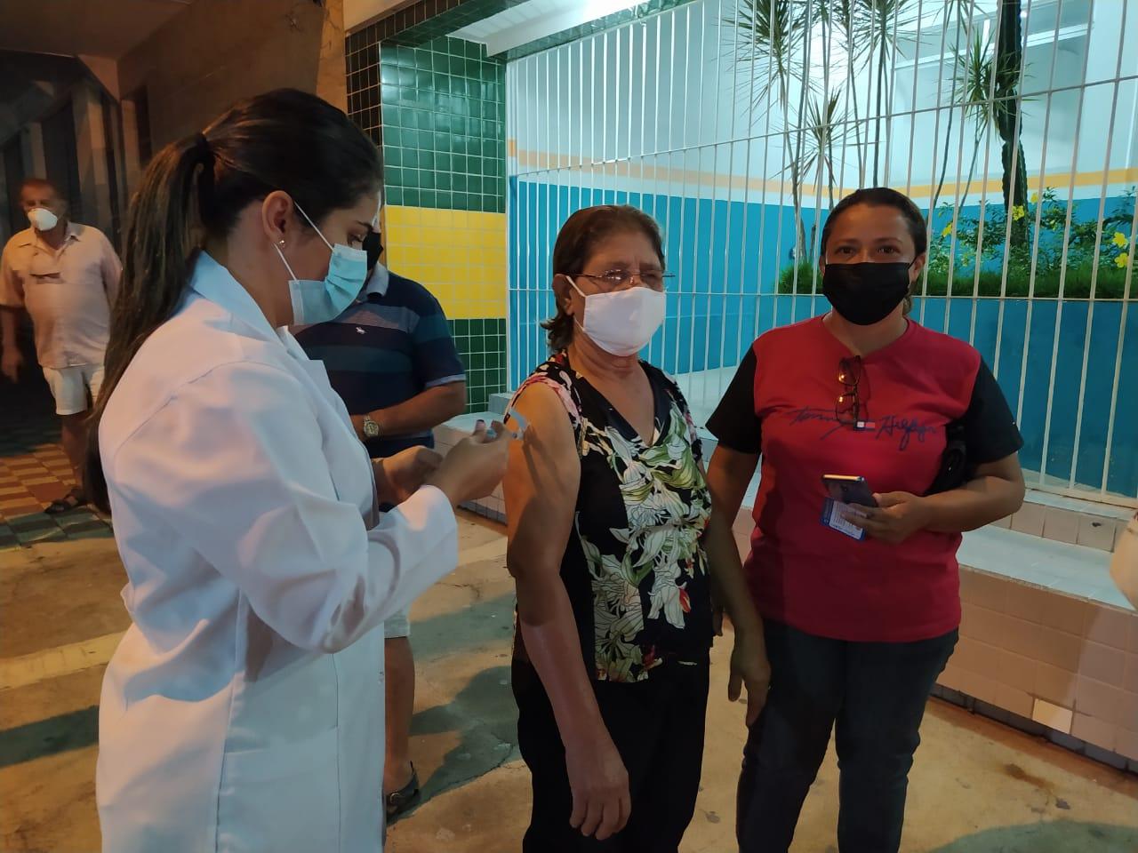 São José do Egito segue vacinando acima da média contra a covid-19
