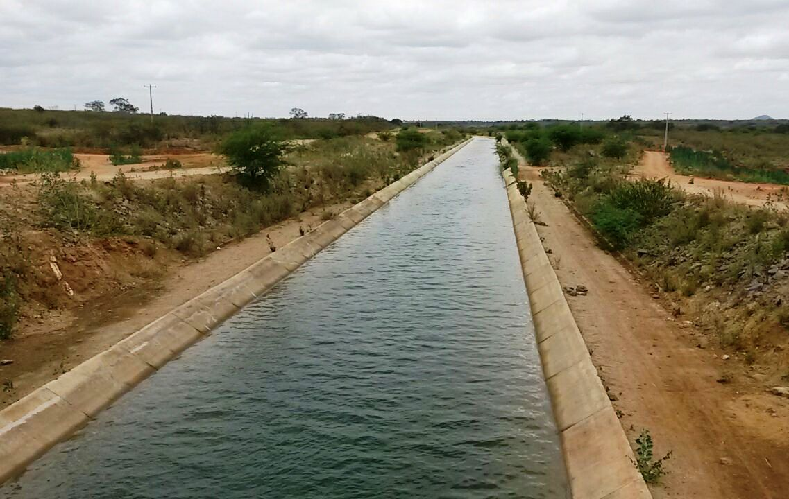 Manutenção de estação de bombeamento deixa cidades do Pajeú sem água por vários dias